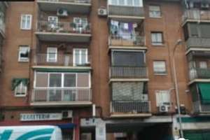 Flat for sale in Buenavista, Carabanchel, Madrid.