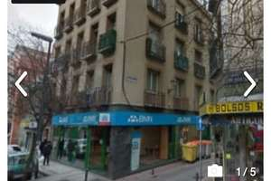 Commercial premise for sale in Vallecas, Madrid.