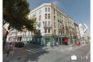 Commercial premise for sale in San Isidro, Carabanchel, Madrid.