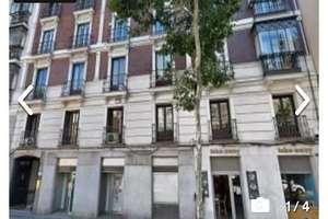 Commercial premise for sale in Trafalgar, Chamberí, Madrid.