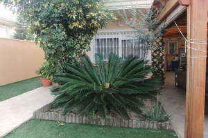 Chalet venta en Puebla de Vallbona, Valencia.