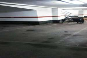 Parking space for sale in Campanar, Valencia.